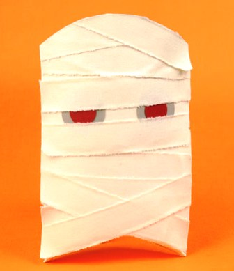 Mummy Halloween party favors