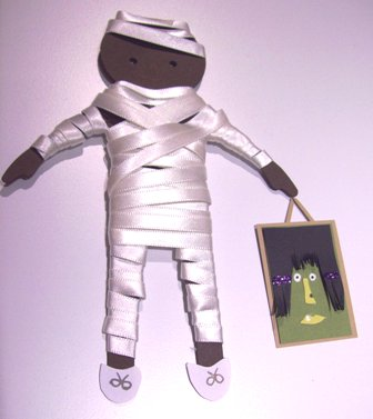 Mummy paper doll