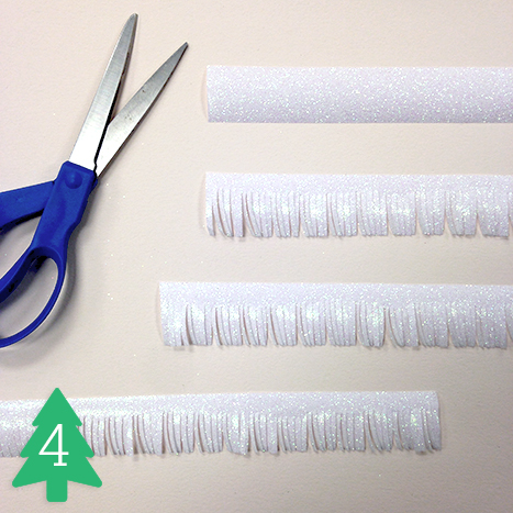 Cutting strips of gligger paper