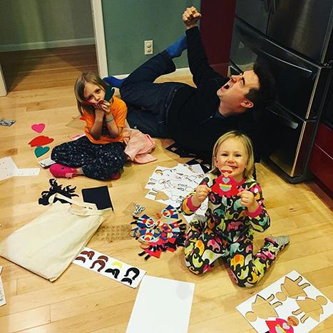 children making valentines